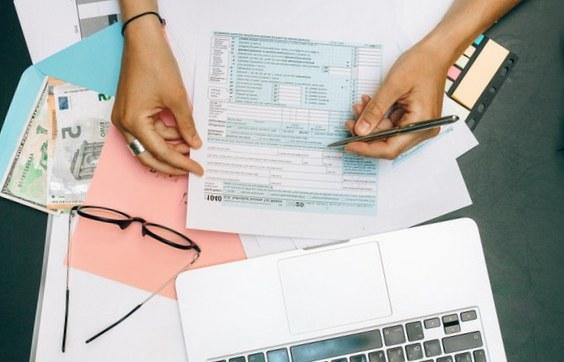 Quelles sont les mentions obligatoires sur une facture à délivrer à un professionnel ?